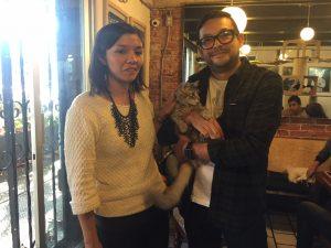 Roma, su mamá humana y papá gato
